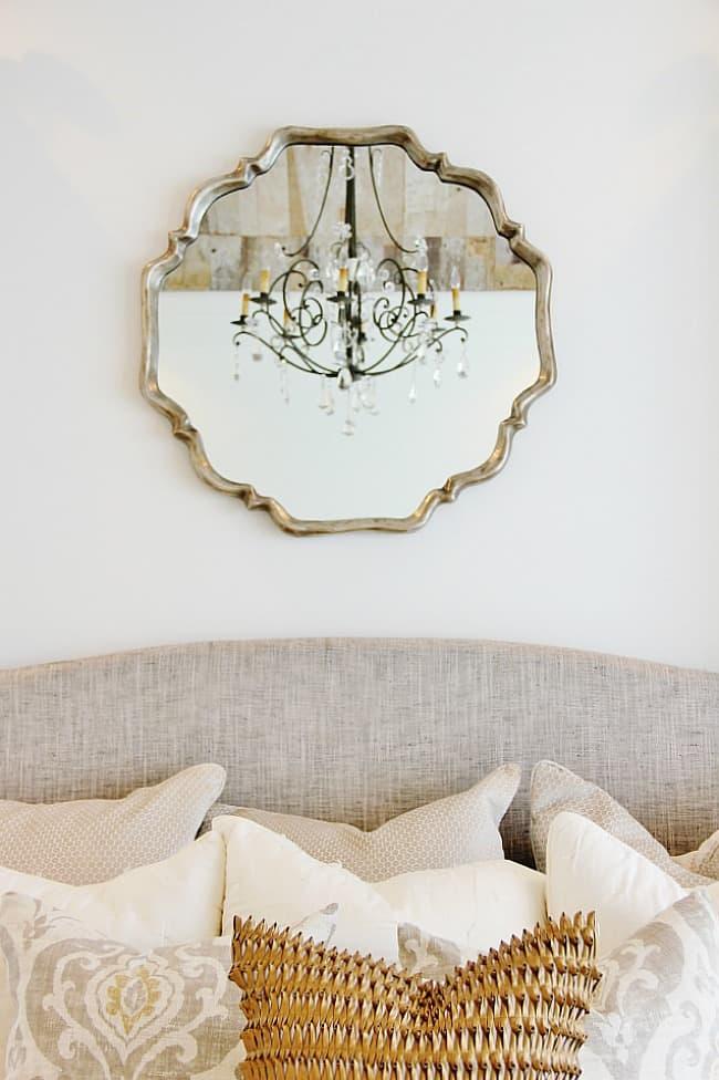 modern farmhouse chandelier with mirror