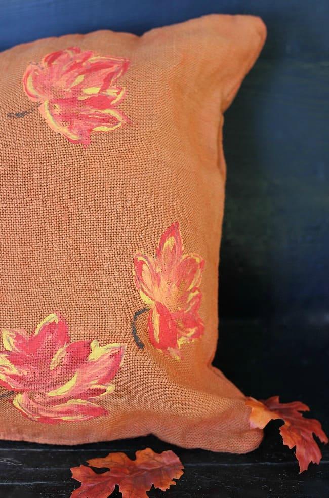 burlap-painted-leaves-pillow