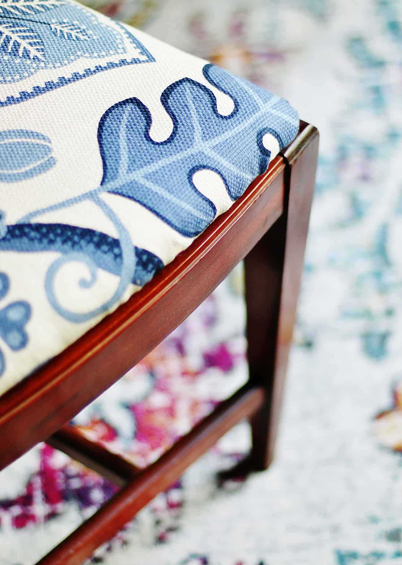 close view chair corner