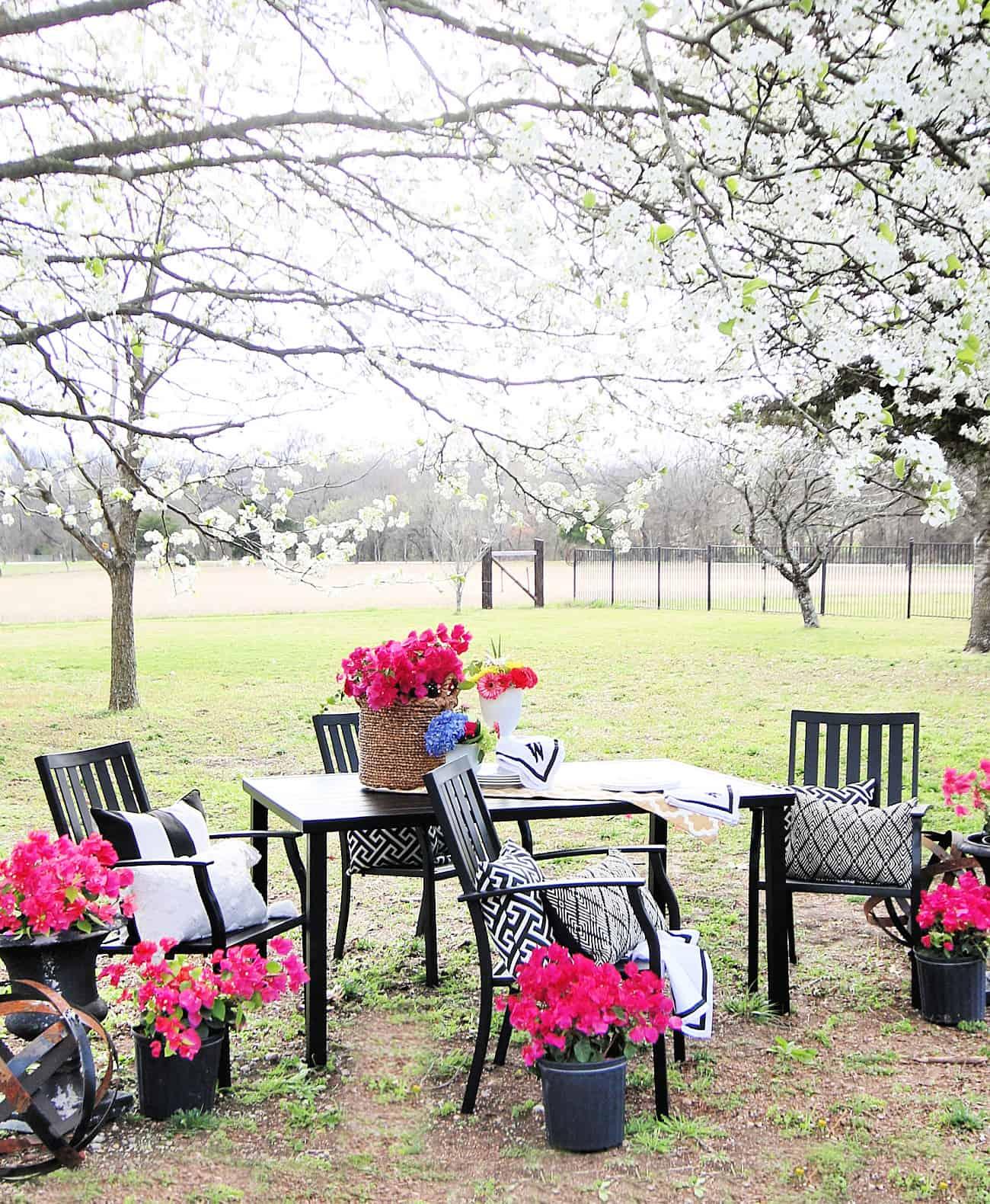 outdoor garden decor ideas patio set