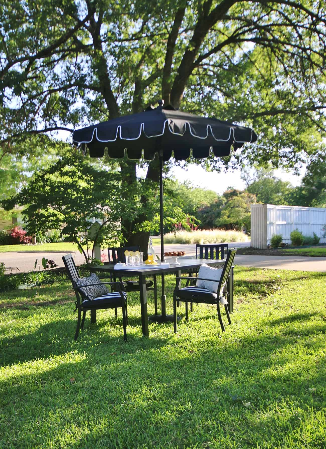 outdoor summer decorating ideas table and chairs