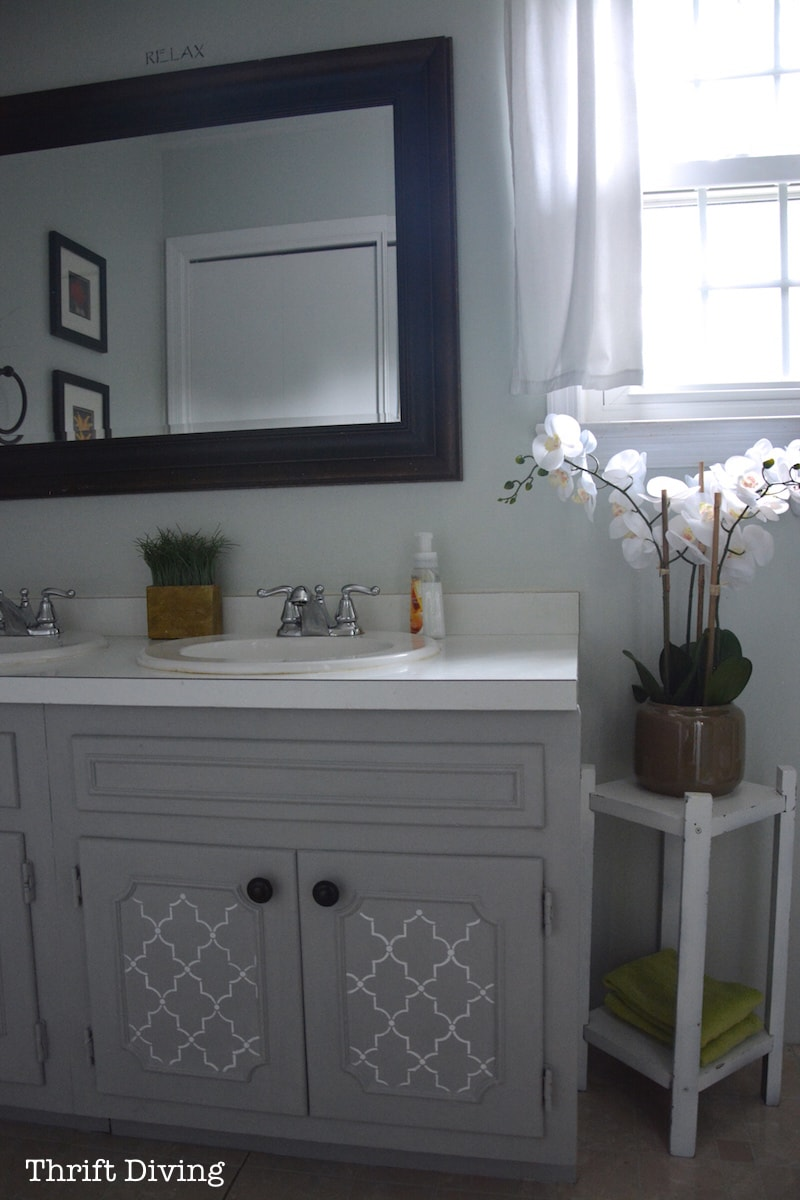 Before Amp After My Pretty Painted Bathroom Vanity
