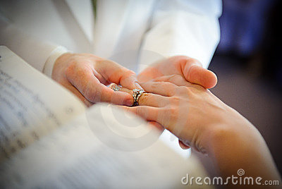 Wedding Rings Exchange Royalty Free Stock Images - Image ...