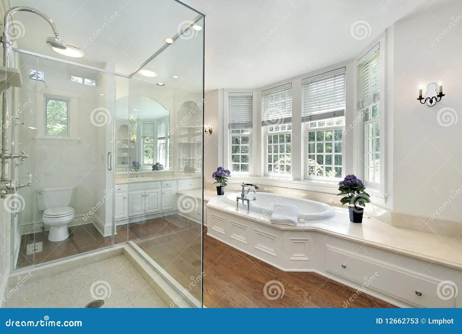 beautiful white bathrooms - 1000×667