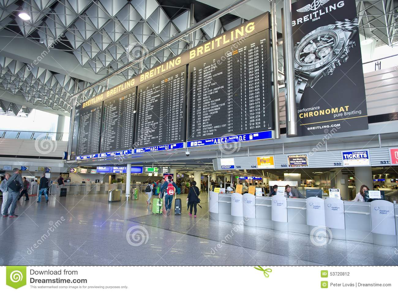 what is moscow's main airport - 800×534