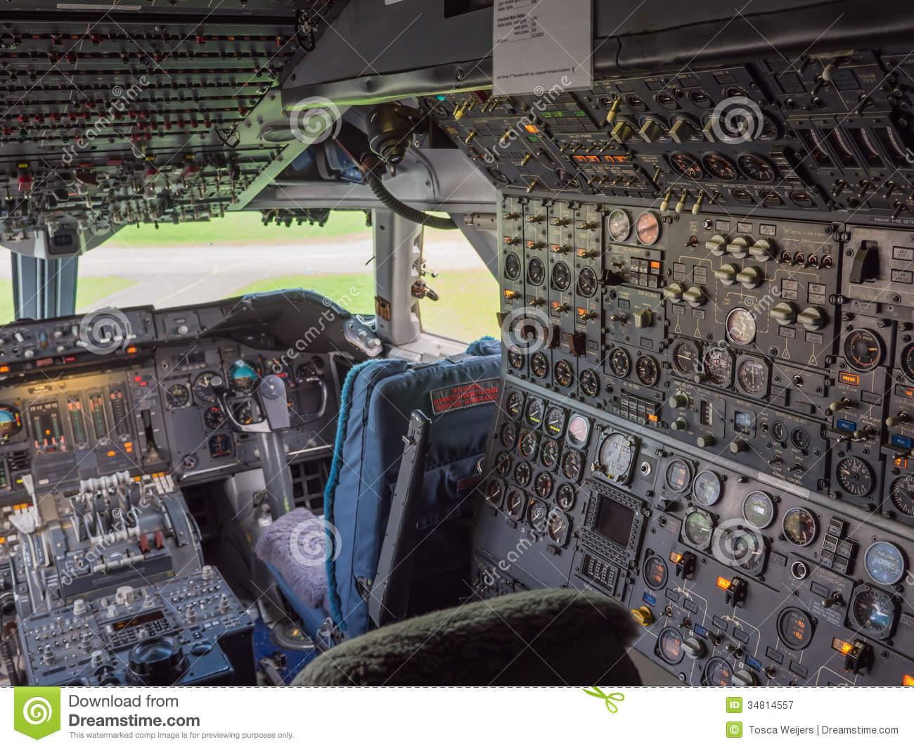 Cockpit Of A Jumbo Jet Royalty Free Stock Photography