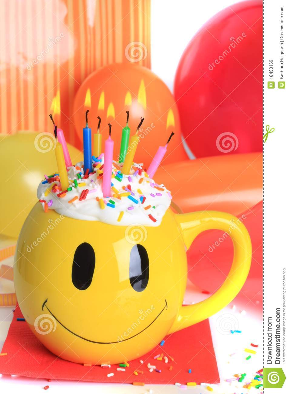 Happy Birthday Cupcake And Candles Royalty Free Stock
