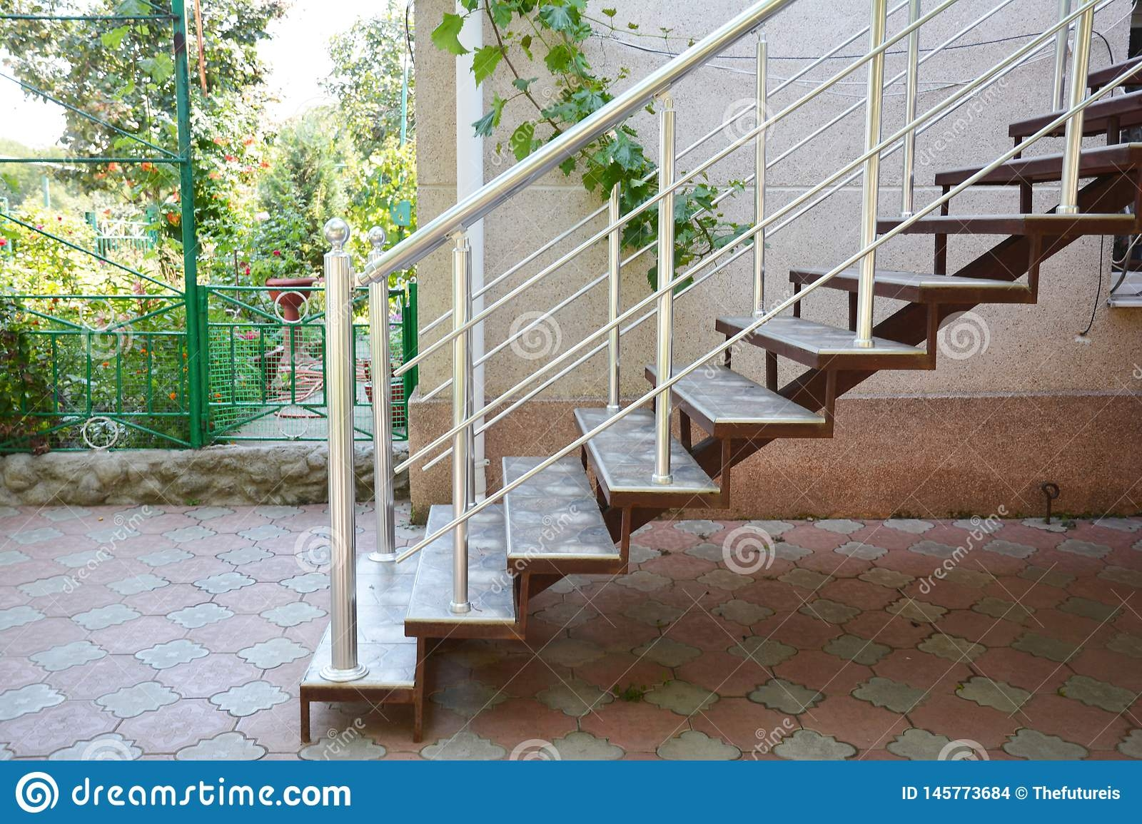 Home Metal Staircase Outdoors Building New Metal Steps In House | Home Entrance Steps Design | Exterior | Sophisticated | Angled | Bungalow Entrance | Concrete