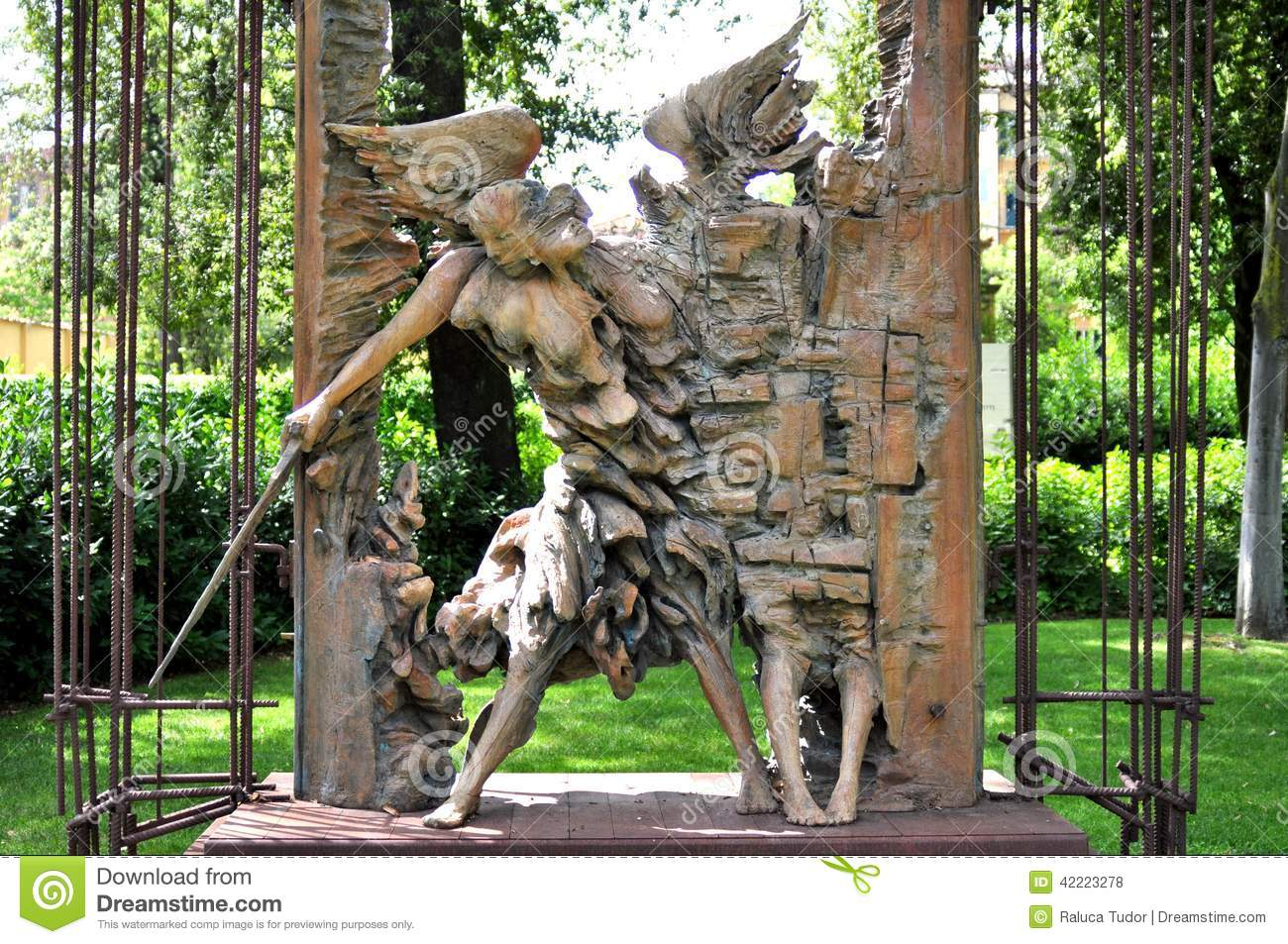 Iron Sculptures For Outdoors
