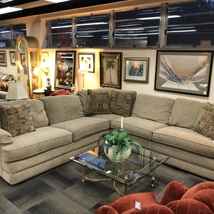Used Furniture Gallery  raquo  The Furniture Living Room   Family Room