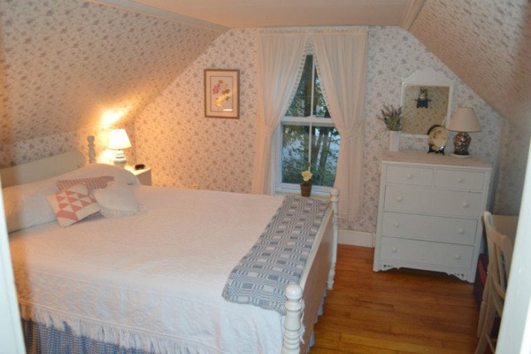 700 Sq Ft Historic Tiny Cottage