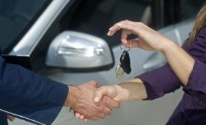 Veículo com comunicação de venda pode ser licenciado?