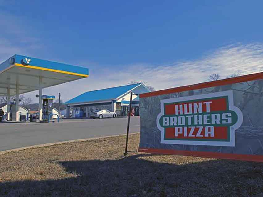 Hunts Brothers Pizza, grote Amerikaanse fastfood keten