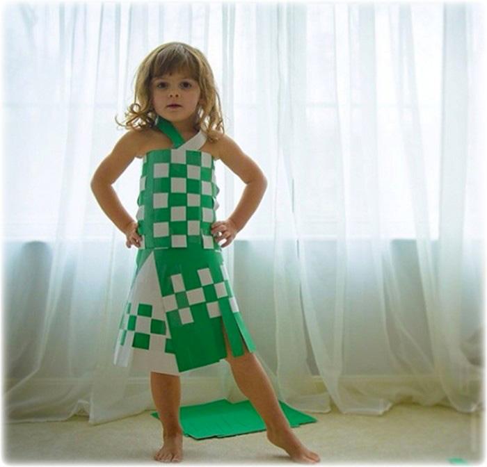 Vestido hecho de papel