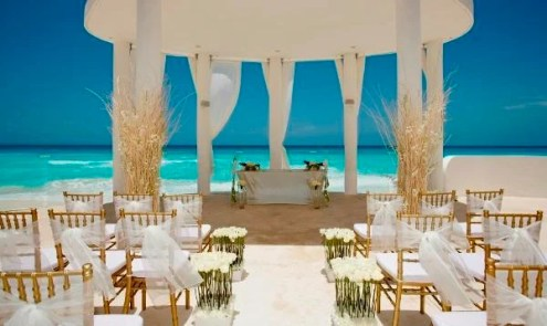 15 Best Destination Wedding Locations on a Budget   Traveleering This beach situated in Mexico will surely make your wedding a grand affair  and that too within your budget  The beautiful view of the Caribbean Sea is