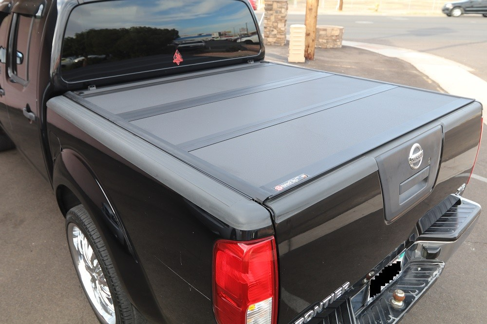 Nissan Frontier Pickup Truck Bed Tonneau Covers