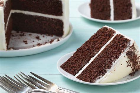 simple rich chocolate cake recipe king arthur flour