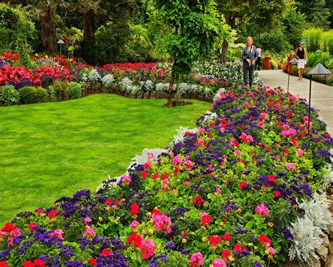 8 inspiring beautiful flower bed ideas front house