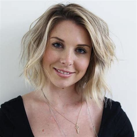 40 flattering haircuts hairstyles oval faces