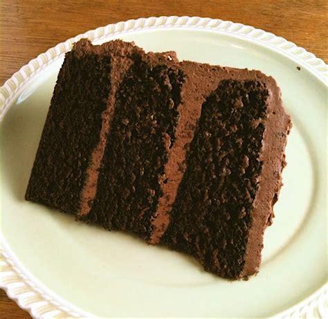 eat drinkink chocolate cake