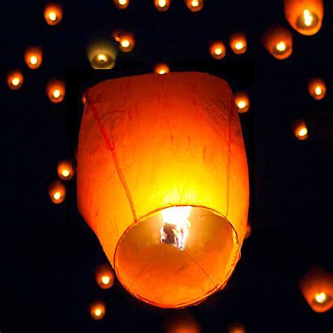 white chinese kongming sky flying lanterns fire light