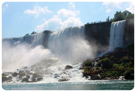 niagara falls smack american falls canadian falls globetrottergirls