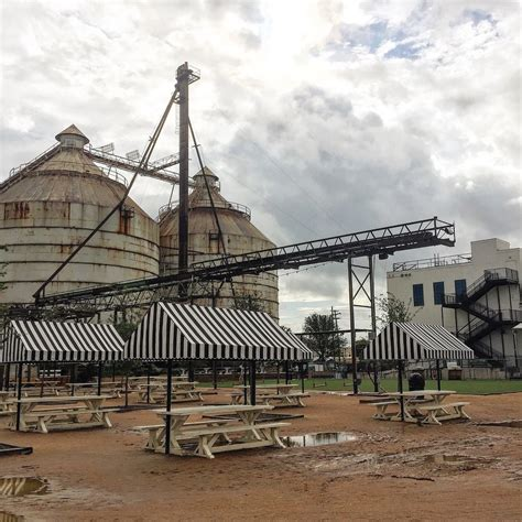 20 places visit waco texas thinking magnolia market