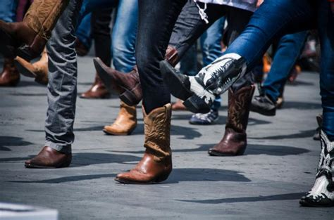 popular line dances lovetoknow