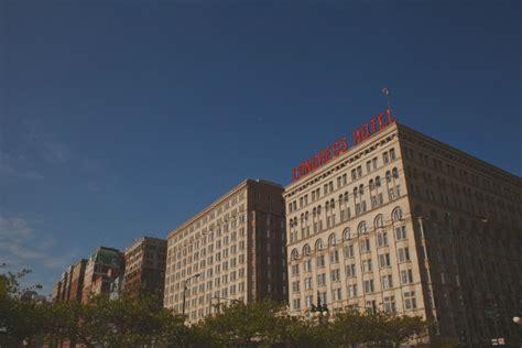find haunted hotels chicago illinois congress plaza hotel