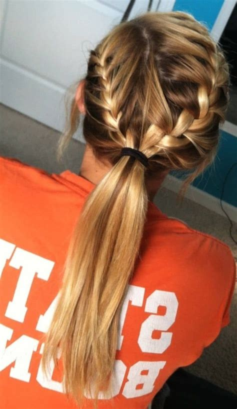 10 hottest hairstyles working 2020 ultimate guide sporty