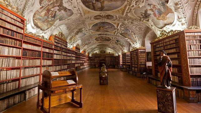 Inside Museo De Historia