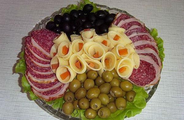 Formaggio al centro della foto del piatto