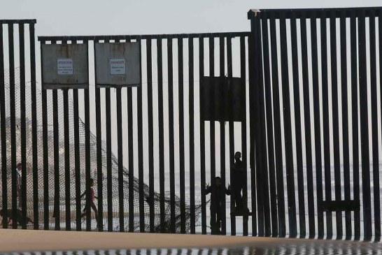 El veterano de la Fuerza Aérea de los Estados Unidos recauda más de $ 20 millones para construir el muro fronterizo