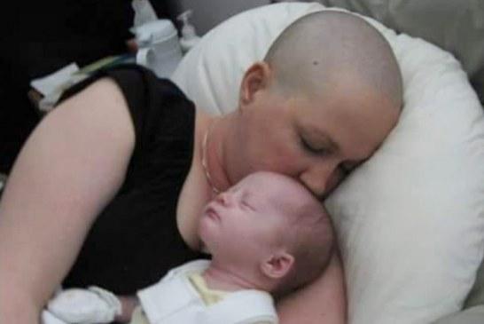 Mamá con cáncer rechazó el aborto para salvar la vida de su bebé por nacer, 10 años después ellas la están pasando genial