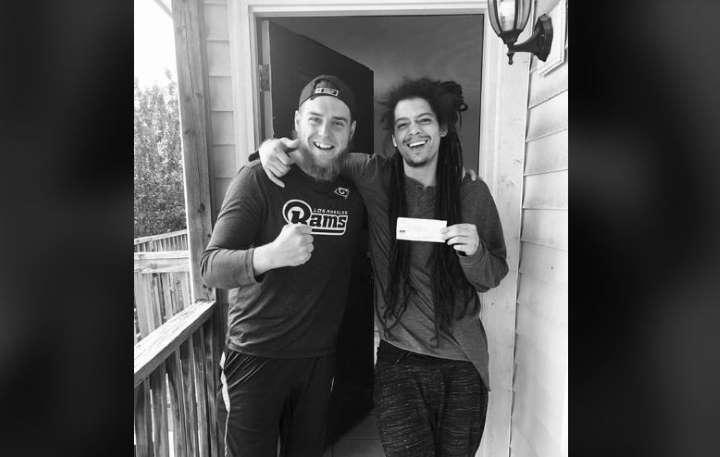 Hombre de Virginia dona su cheque de estímulo de $ 1,200 a un extraño