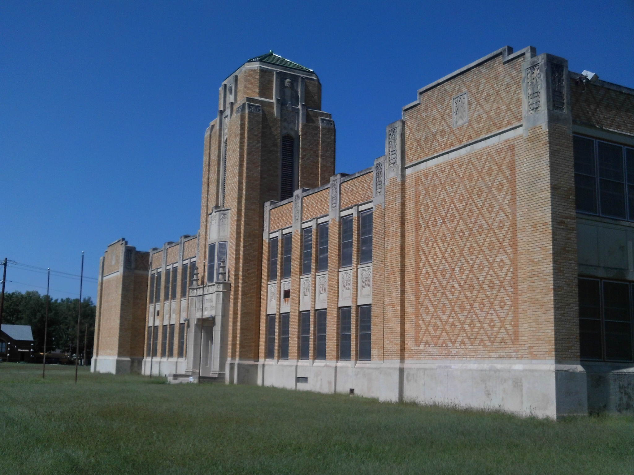 File:East Topeka Junior High School, Seen From the South ...