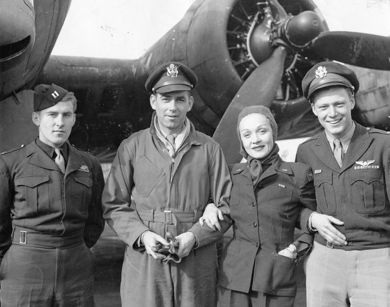 Marlene Dietrich   Wikipedia Dietrich with airmen of the 401st Bomb Group  29 September 1944