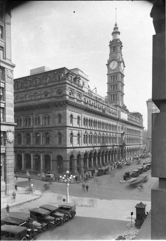 1964 studebaker cars » File SLNSW 8680 A view of the GPO showning one hansom cab and four     File SLNSW 8680 A view of the GPO showning one hansom cab and four motor  cabs on a taxi rank six cars in the foreground left to right Studebaker  Standard