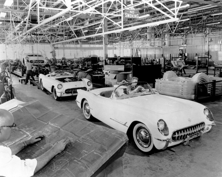 1953 chevrolet cars » Chevrolet Corvette   Wikipedia 1953 Corvette exits assembly line