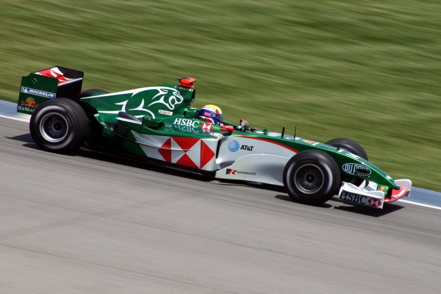 1959 bmw cars » Jaguar Cars   Wikipedia The Jaguar R5 being driven by Mark Webber in 2004   the team s last season in  F1