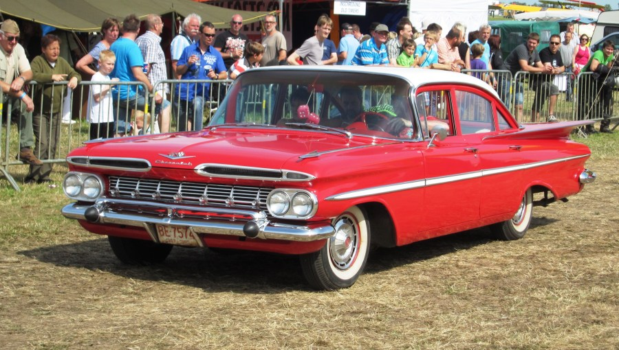 1959 chevrolet cars » File Chevrolet Biscayne ca 1959 Schaffen Diest 2012 jpg   Wikimedia     File Chevrolet Biscayne ca 1959 Schaffen Diest 2012 jpg