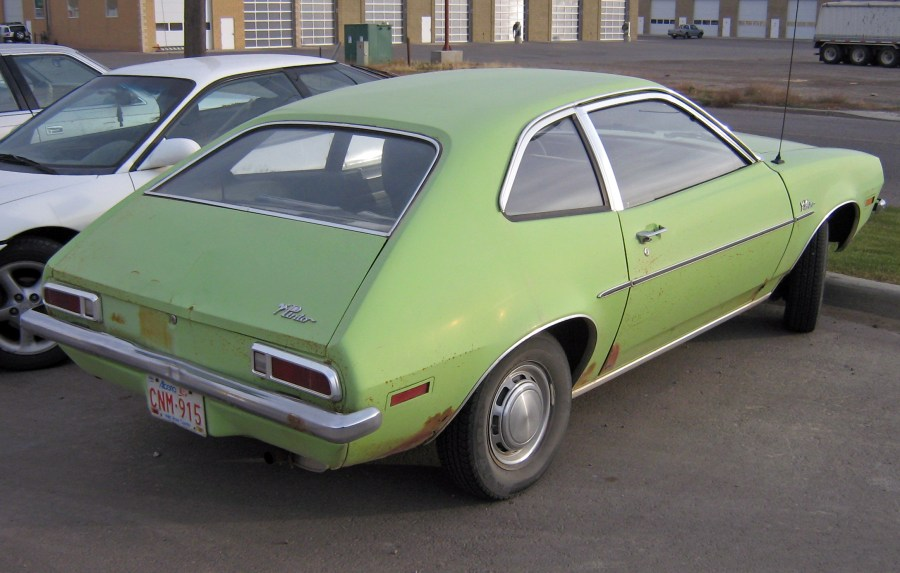 1971 pontiac cars » Ford Pinto   Wikipedia 1971 1972 Ford Pinto sedan  showing view of trunklid