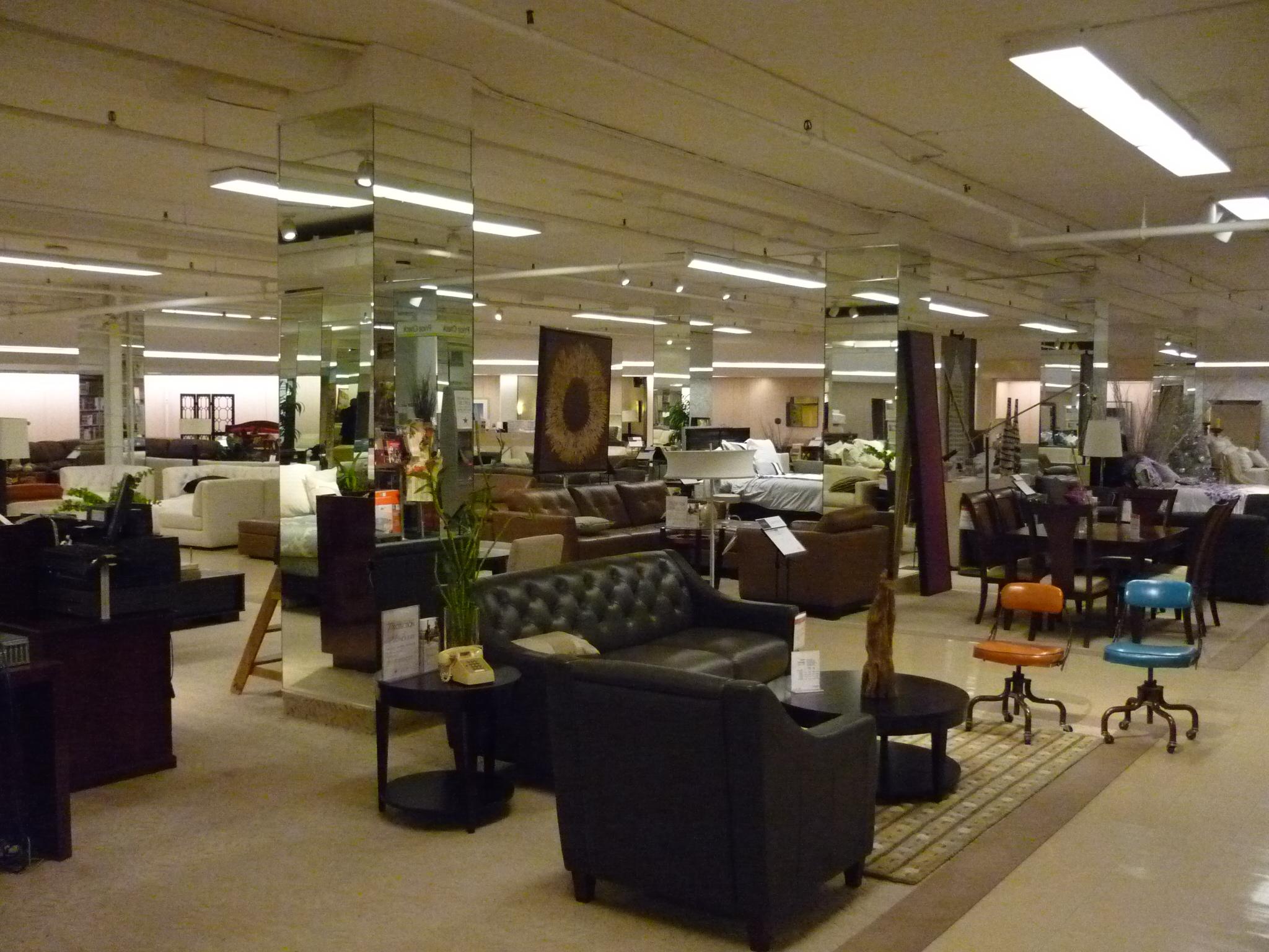 File:Macy's Downtown Pittsburgh shopping floor.JPG ...