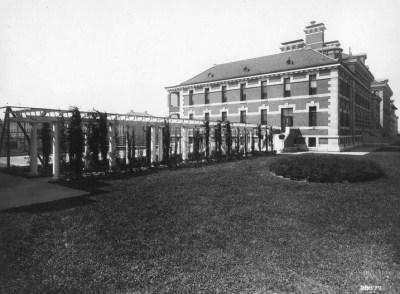 Opinions on Ellis Island Immigrant Hospital