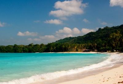 File:Santo-island-living-8.jpg - Wikimedia Commons