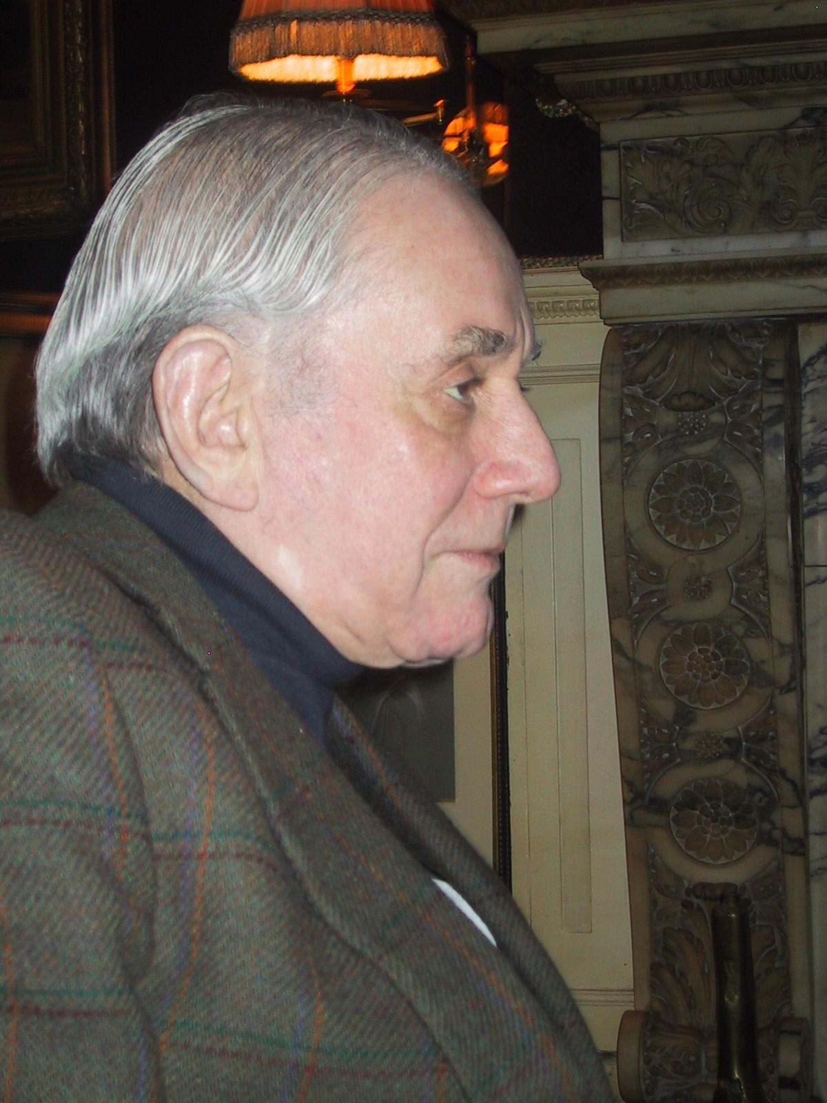 Kenneth Jay Lane Wikipedia