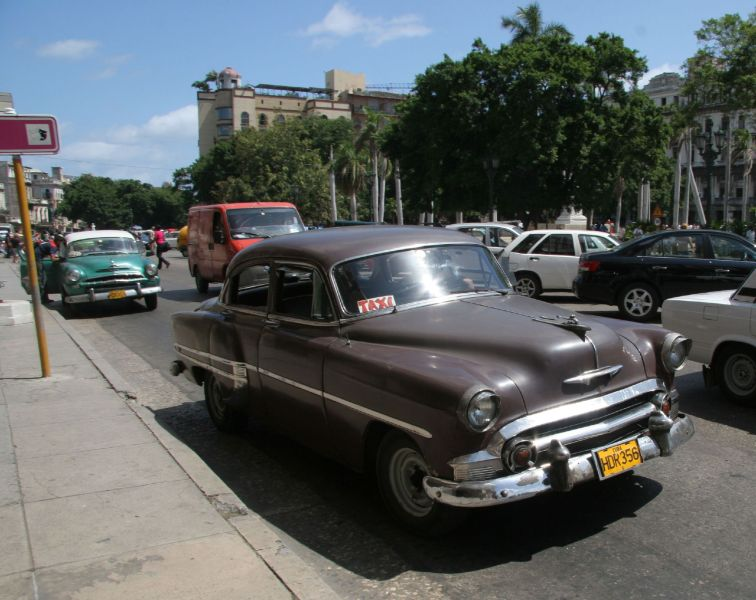 1953 chevrolet cars » File Old US car in Havana   Flickr   exfordy  27  jpg   Wikimedia     File Old US car in Havana   Flickr   exfordy  27  jpg