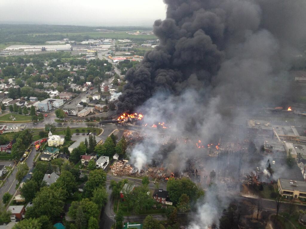 File:Lac megantic burning.jpg - Wikimedia Commons