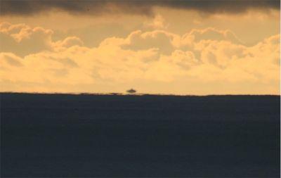 File:Inferior mirage of farallon islands.jpg - Wikimedia ...