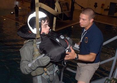 File:US Navy 070626-N-6247M-001 Hospital Corpsman 2nd ...